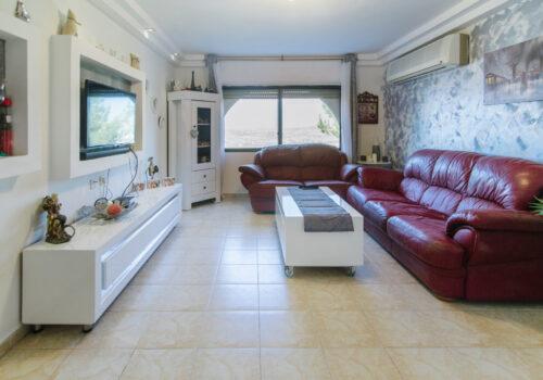 דירת 3 חדרים למכירה באריאל באבנר